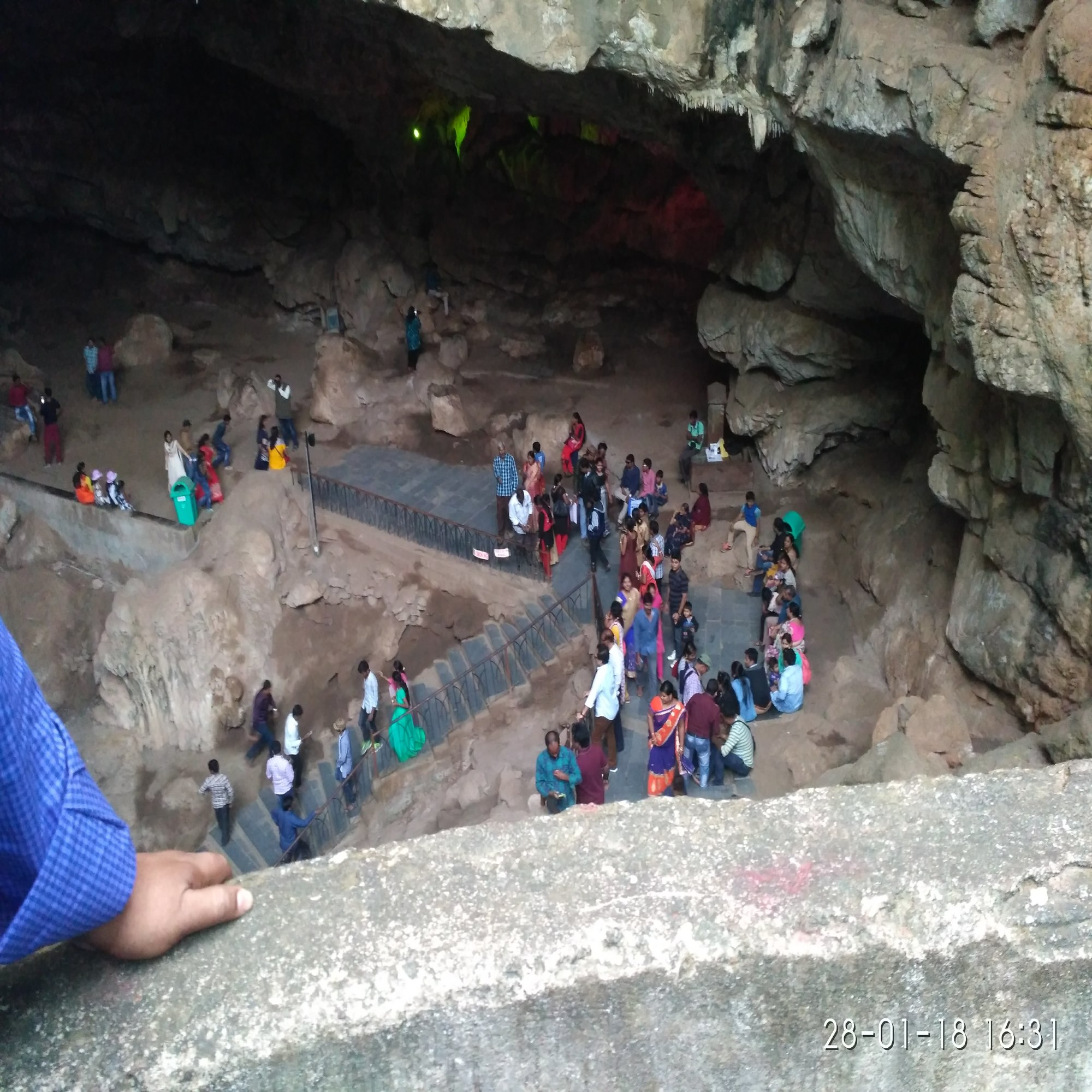 This Roads sometimes leads to downward in the boracaves and sometimes upward. amazing travel inside the boracaves