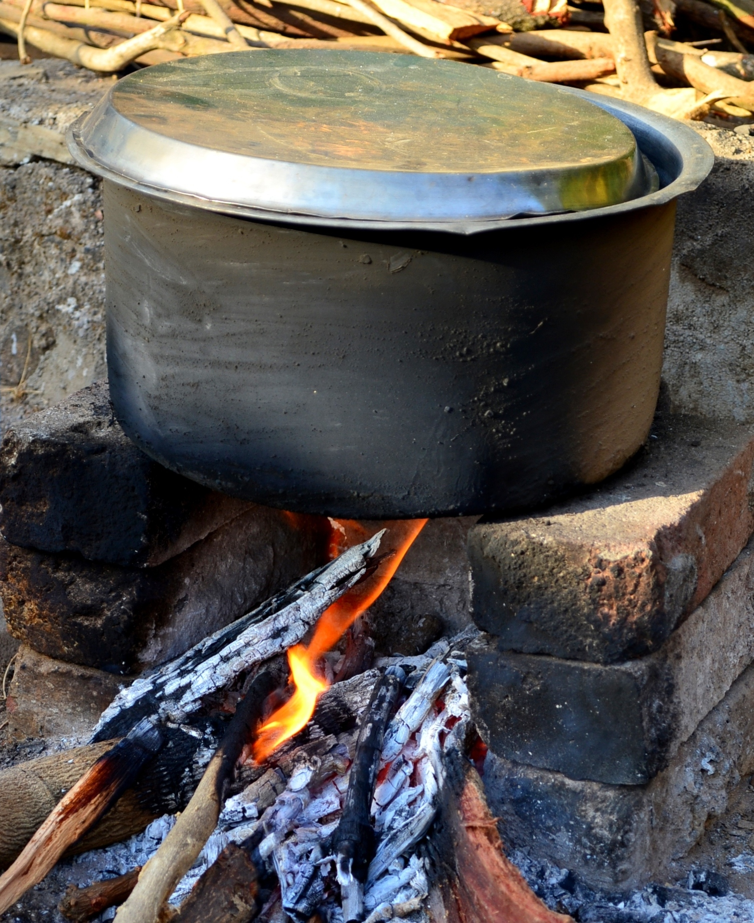 Food being cooked on Chulah.