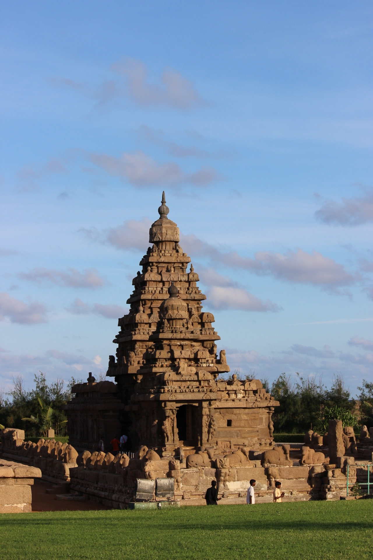 The shore temple at mahabalipuram with excellent architecture
