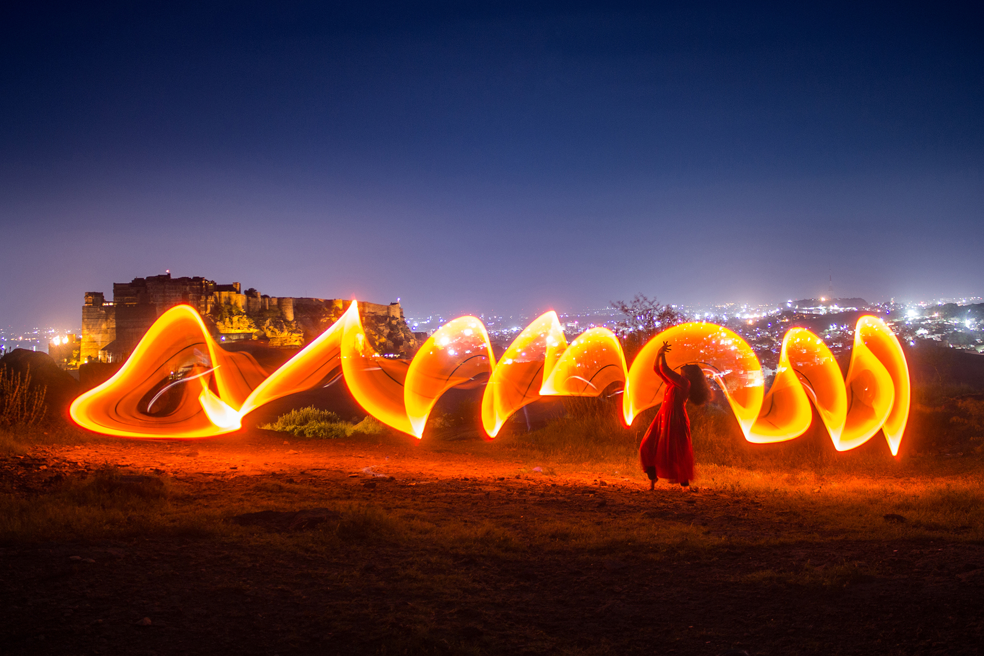 A light painting flow with Mehrangarh fort & blue city in background