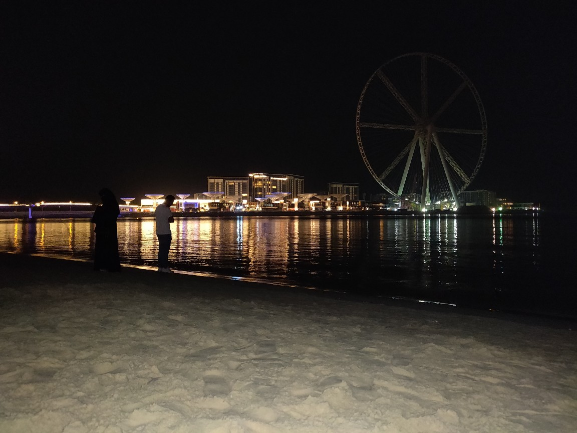 I had this amazing trip to Dubai. Where one day I went JBR Beach Walk @2:00am. The view was so chilling and walk was so refreshing that I totally forgot about my worries and was just exploring the night.
