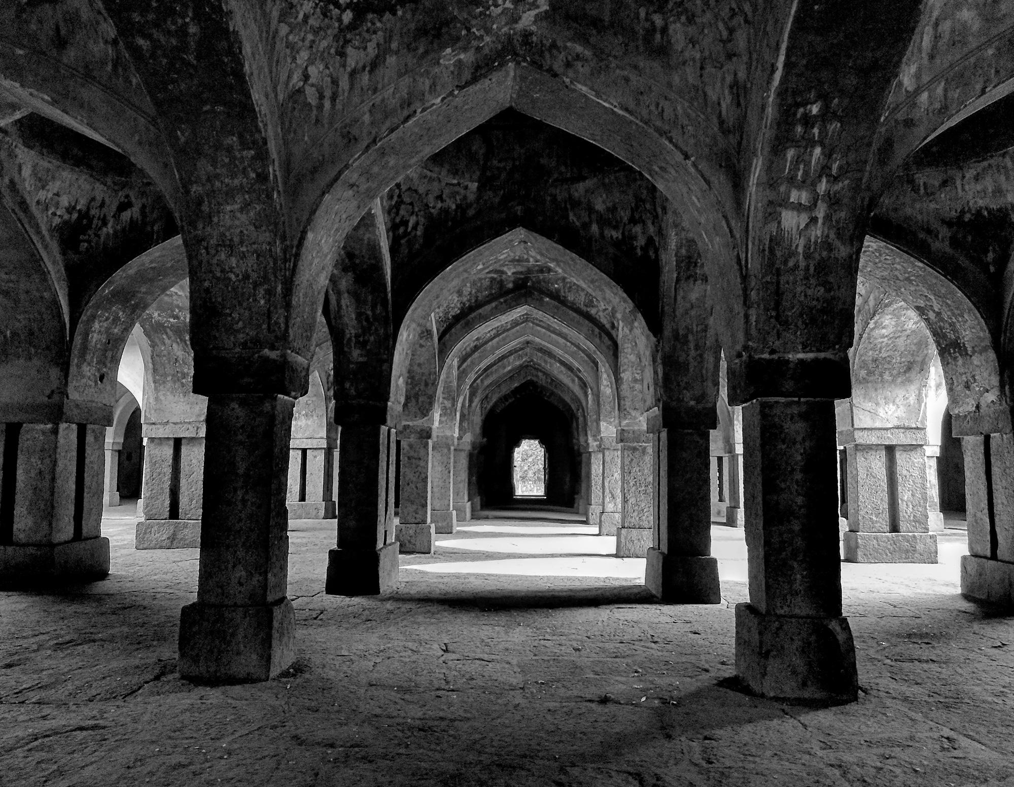 Architecture in Khirki Masjid