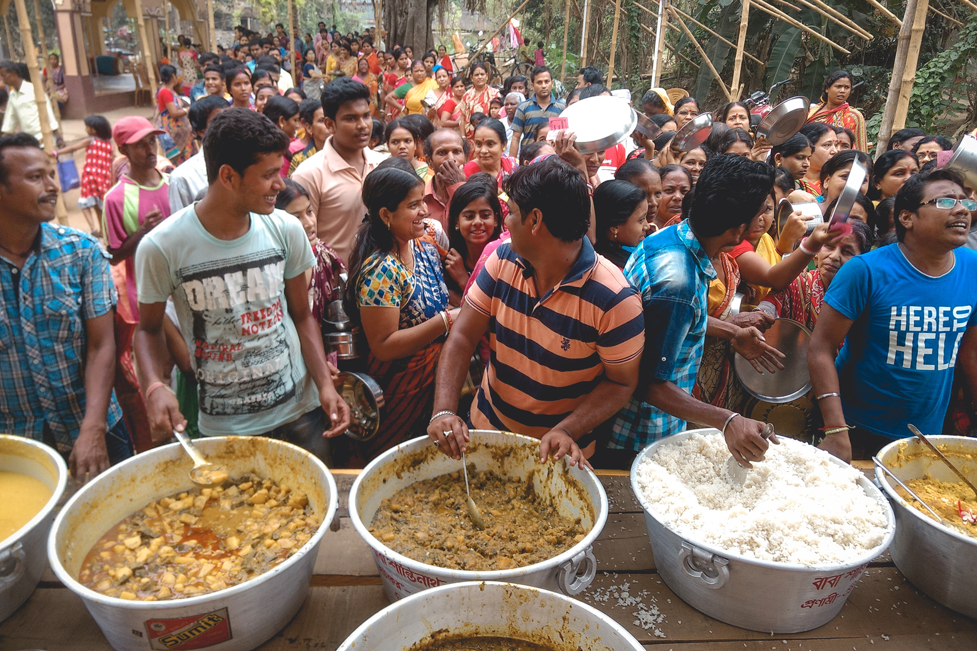 Food distribution during shiva puja