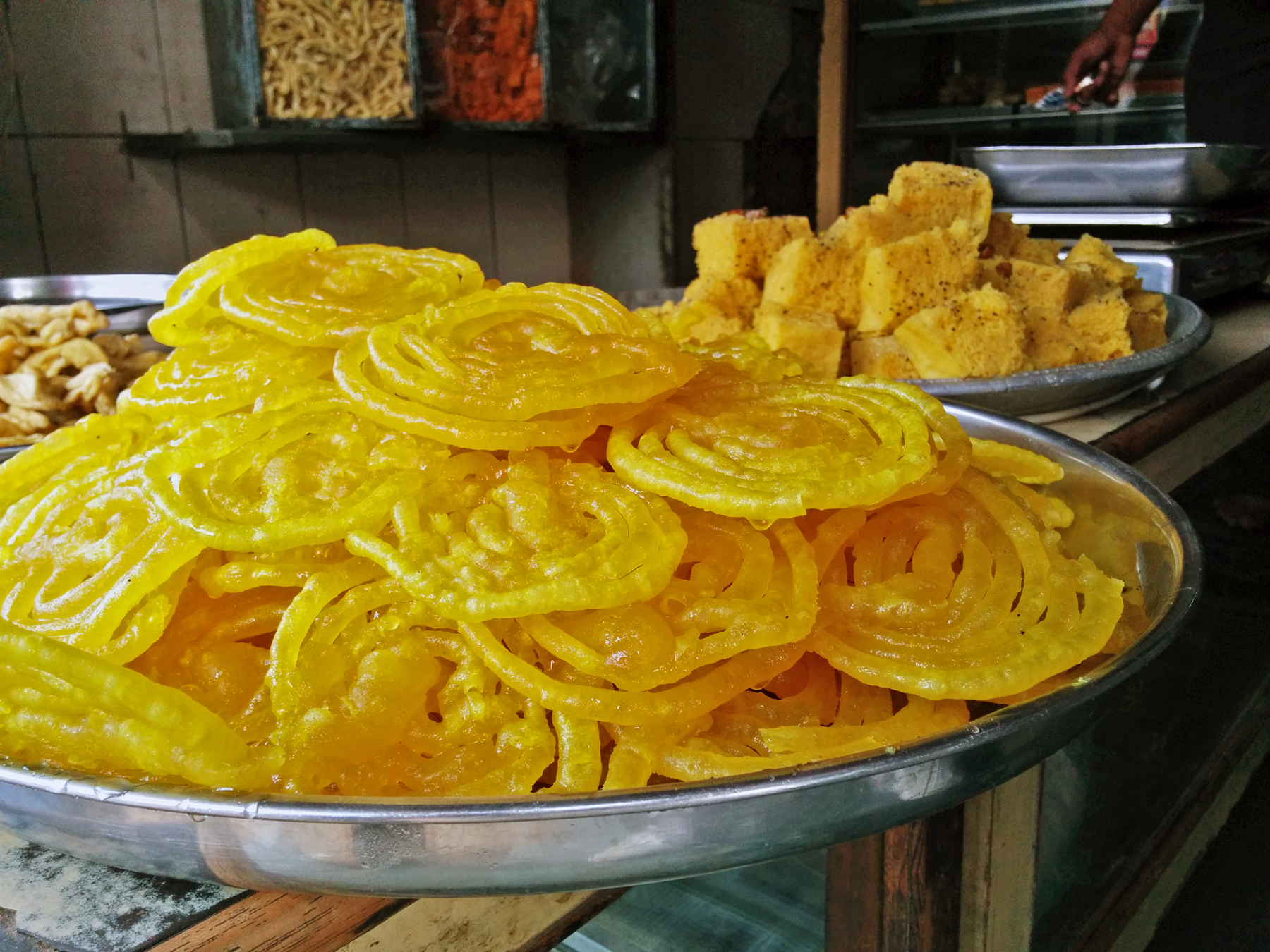 Golden Jalebi`s whose smell and vibrance can allure even the prominent diabetics !!! Taken alongside another Bomb of Gujarati Snack - Khaman.