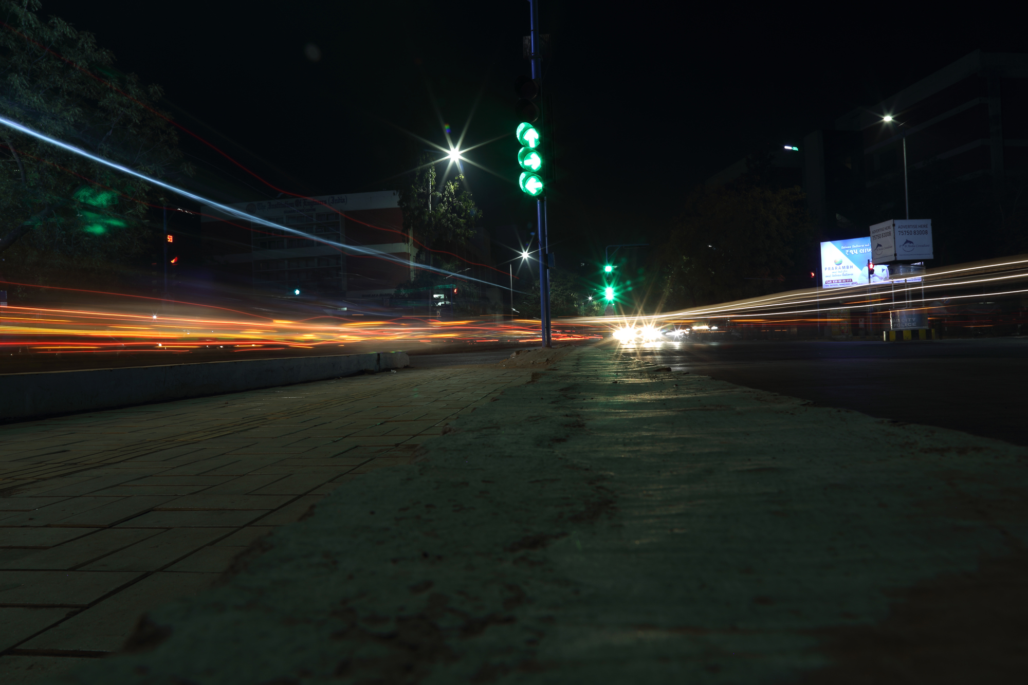 THE MOVEMENT OF TRAFFIC IS HIGHLY DEPENDS UPON THE TRAFFIC LIGHTS SO TRIED TO CAPTURE THAT RUSH HOUR!!!
