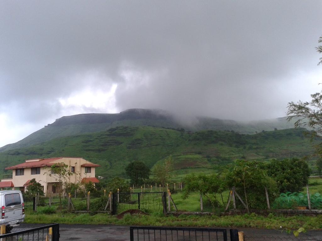 clouds descending or ascending??