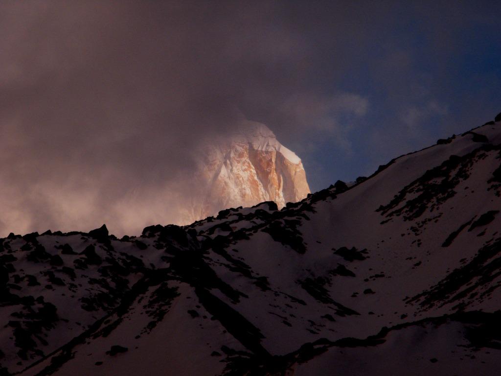 Mount Thalay Sagar behind the cloud. Picture taken from Kedar Kharak (12km away from Gangotri).