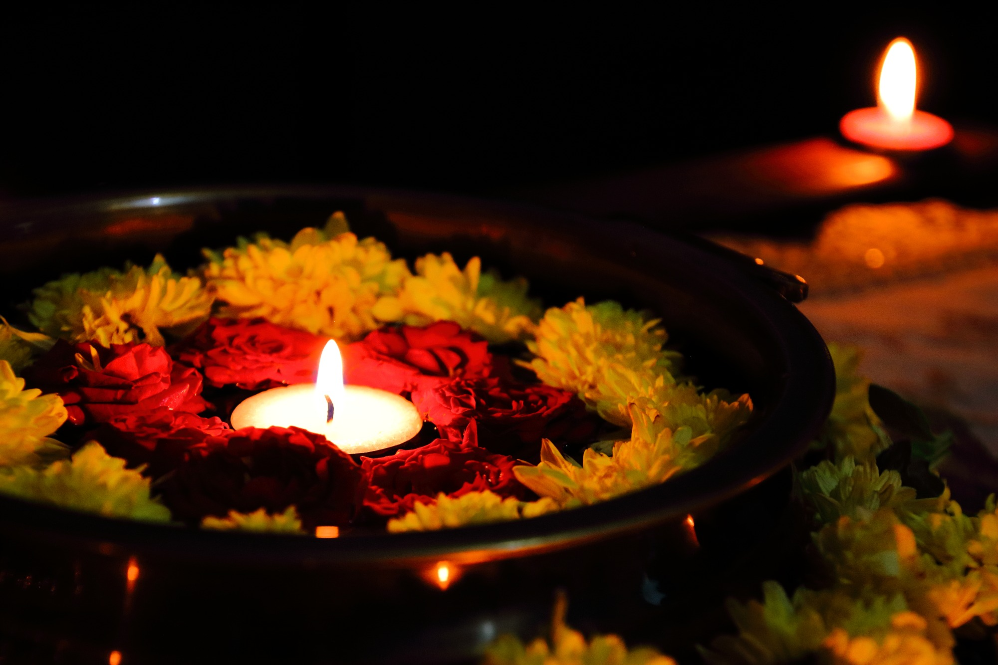 Diwali is an occasion to let the light of diyas and candles not just illuminate your homes, but to forget the dark agonies of the past and illuminate our future.