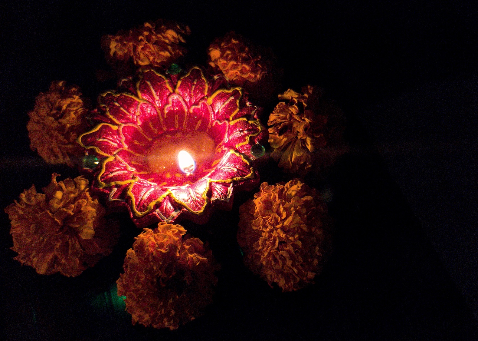 An eco friendly Diwali is all about celebrating with the lights and flowers and love. Here I tried tk capture the gist of the Diwali and how contrasting and beautiful eberything looks in fire-light