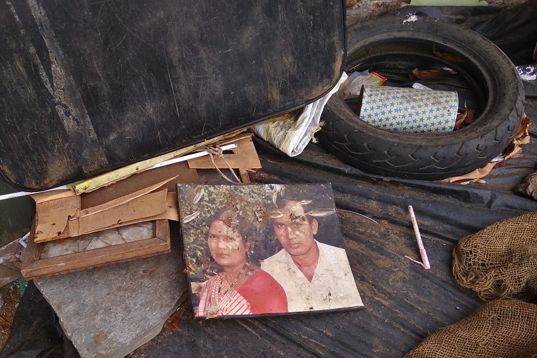 Beloved guardian old photo get lost in junkyard.