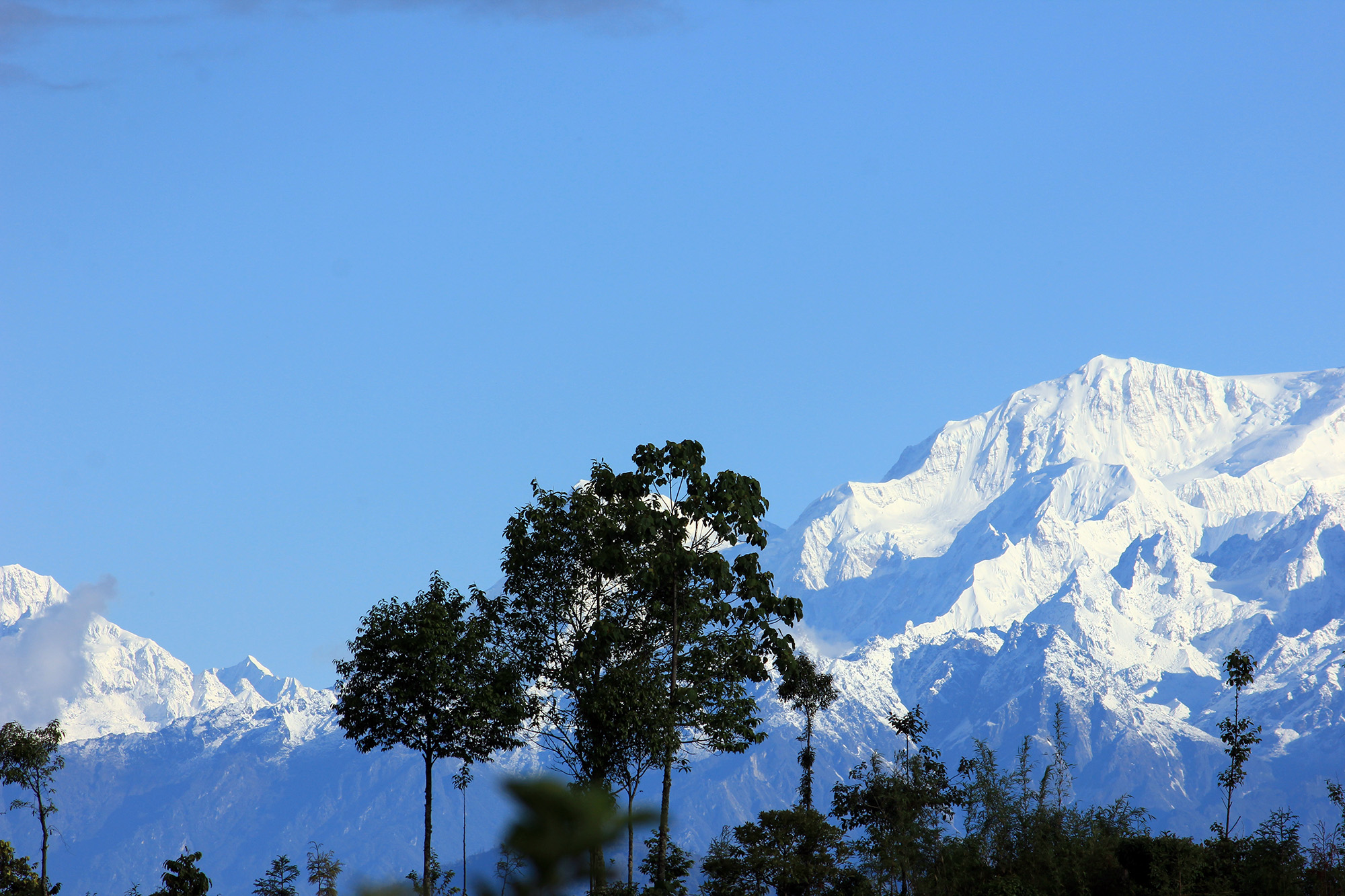 this's photo of Mt. Kanchenjunga taken from Rishyap.