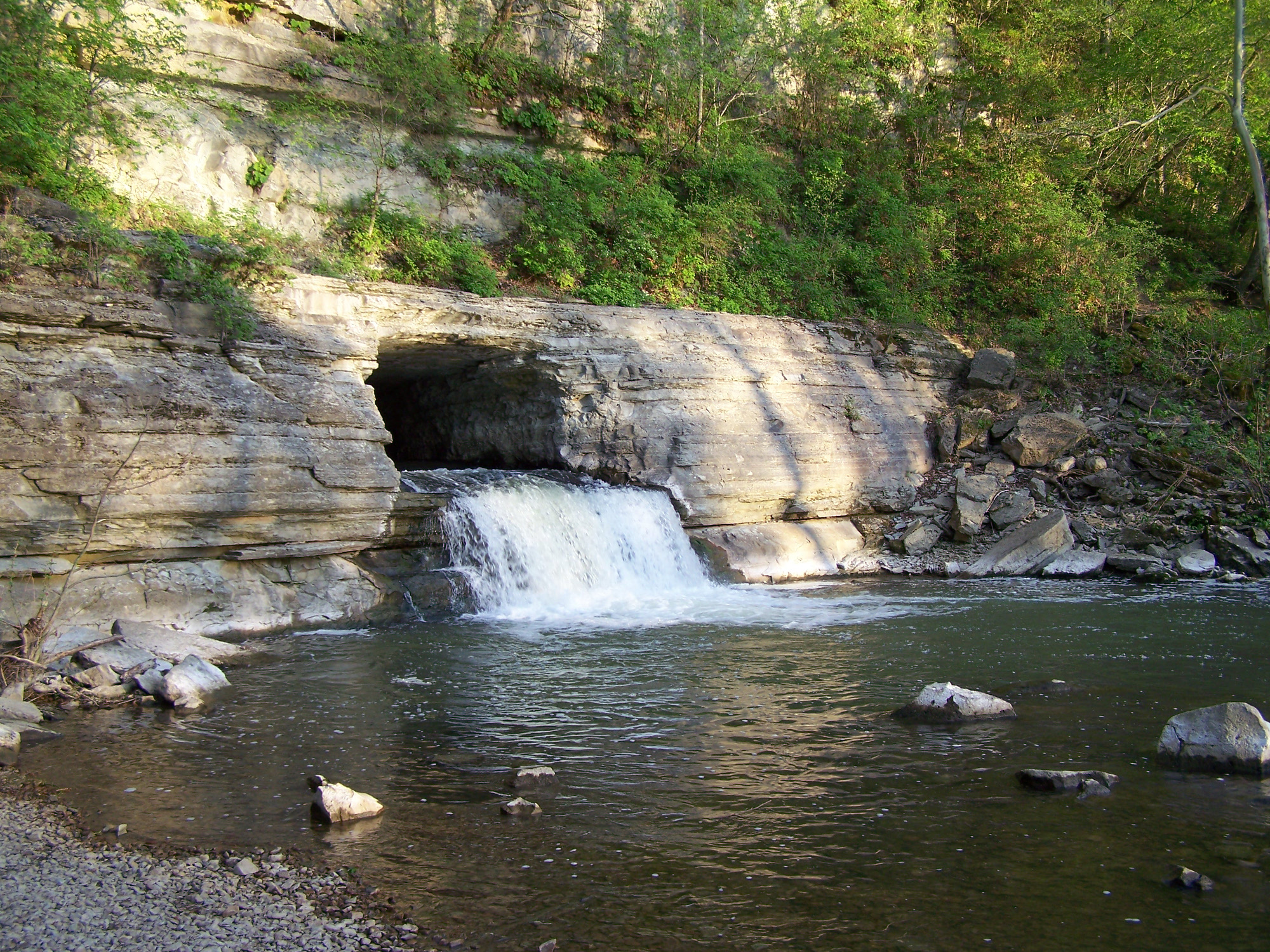 A rock cutout for the Harpeth river to flow. A river in Tennessee.
