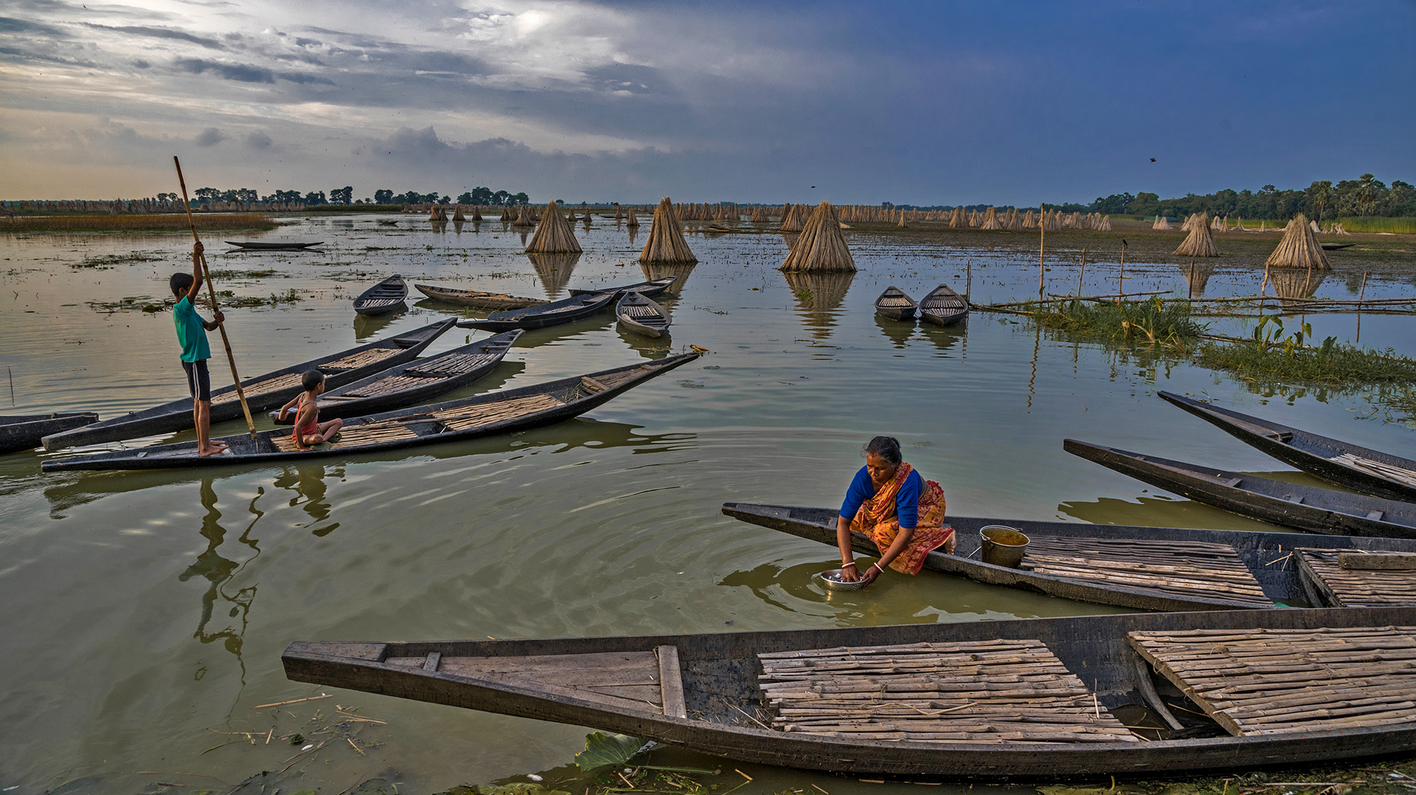 Bartir bill in West Bengal, India is the place during the monsoons not only it  is a place for jute cultivation which heavily depends on a good monsoon but also monsoon brings with it a myraid of activities in this region. This place literally blooms during the monsoon.