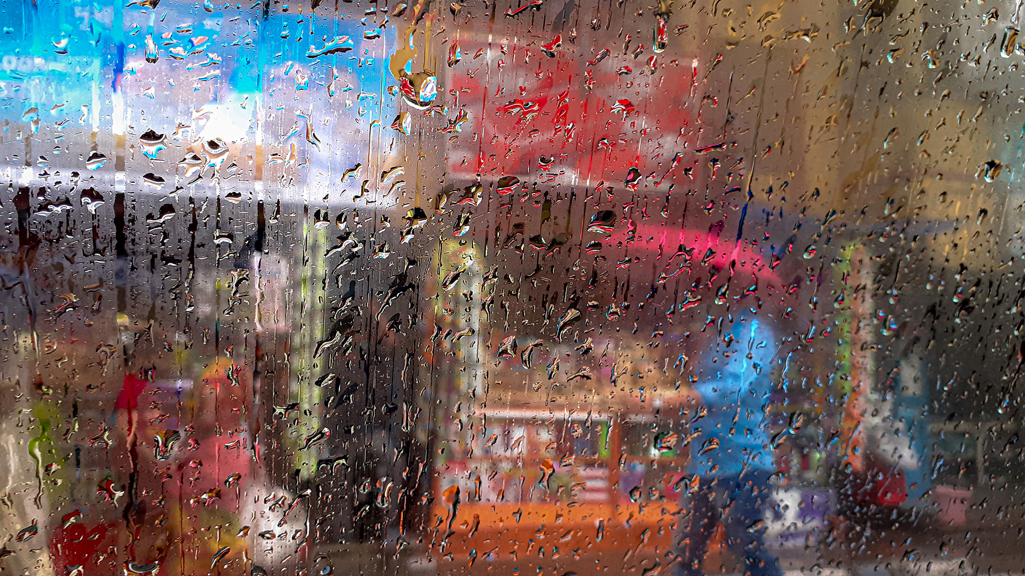 With water droplets falling on the car window it can be used try out new compositions during monsoon.