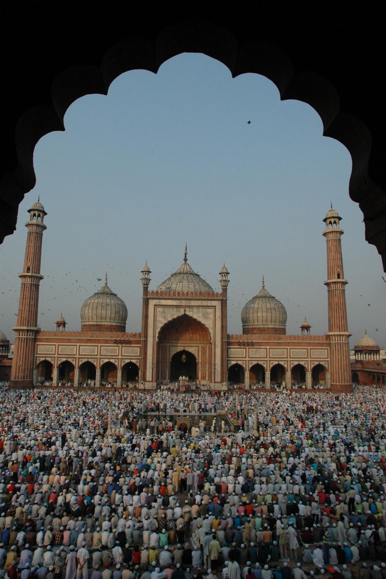 Devotees offer namaz at Jama Masjid on EID