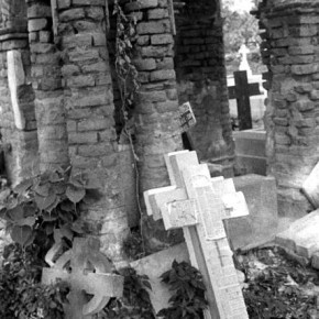 This collection of crosses stored in a graveyard signifi ed to me the number of people, dead and alive, that this fi nal resting place must have seen.Photograph/Nilanjan Ray
