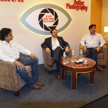 K Madhavan Pillai and Dr Alok Bharadwaj discuss the future of digital imaging with the photography fraternity.