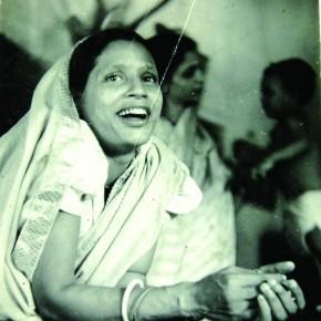 Seen here is Ghosh's wife, Labhanyalata, in a joyous mood. Photograph/ Manoranjan Ghosh