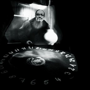 This is a portrait of Umberto Eco, the Italian philosopher and famed novelist, with an artificial pendulum. Eco has written a book titled Foucalt's Pendulum, hence Bavčar created a portrait of him with a pendulum. Photograph/ Evgen Bavčar