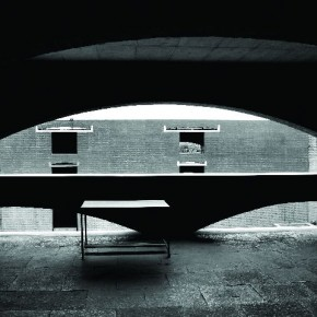 Illumination, IIM, Ahmedabad: The distinctive design, arches and corridors in the academic block of the institute add to the depth and feeling of tranquility. Photograph/ Richa Arora