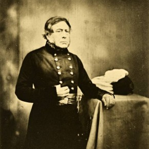 His portraits of high-ranking offi cers seem more formal than the rest. Seen here is Lieutenant General Sir H J W Bentinck. Photographer/ Roger Fenton
