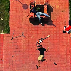 Shoot from a higher viewpoint so that your subject looks up at you. This will minimise disturbing shadows and saturate colours. Exposure: f/4.5, 1/2000sec, ISO 100 Time: 1.30pm. Photograph/Ritesh Uttamchandani / Hindustan Times
