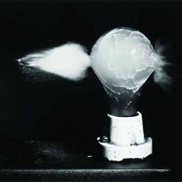 Death of a Light Bulb, 1936. Photograph/ Harold Eugene Edgerton