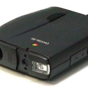 Apple Quick Take 100: This first mass-market colour digital camera was launched in 1994. The images could be stored in the internal memory. It also had a fixedfocus 50mm lens and built-in flash.
