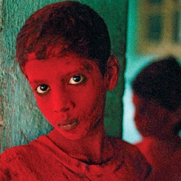 Red Boy, Holi Festival, Mumbai (Bombay), India, 1996. Photograph/Steve McCurry