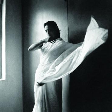 Rati wearing a saree, Old Delhi, c.1954. Photograph/Richard Bartholomew