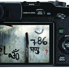 The buttons at the back of the X-Pro 1 are less flimsy than the buttons on the X100. The addition of a dedicated Quick Menu button improves the overall ergonomics and the LCD resolution is brilliant. The image-write indicator keeps flashing in front of the eye and can be irritating.