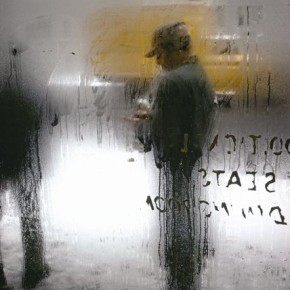 The sparing use of colour emphasises Saul's signature minimalist style. Photograph/Saul Leiter