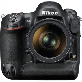 The camera is contructed of magnesium alloy, is completely weather sealed, and feels absolutely rock solid in the hand. The recessed rubber grip makes the camera particularly comfortable to hold.