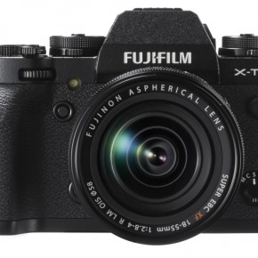 The front of the camera has two Fn buttons, in a styling that is quite similar to mid and high-end DSLRs. Unfortunately, neither Fn button can be set to adjust Flash Exposure Compensation, a glaring omission for those who use flash creatively.