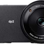 The DP2 Quattro is almost panoramic, with no controls accessed from the front. Interestingly, the AF assist lap is built into the edge of the lens, making the lens larger than the convenient 49mm of the Merrill, and thus making it necessary to use filters with a of 58mm thread.